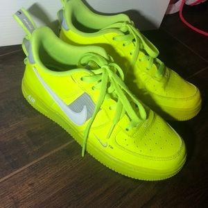 Neon volt Air Force 1